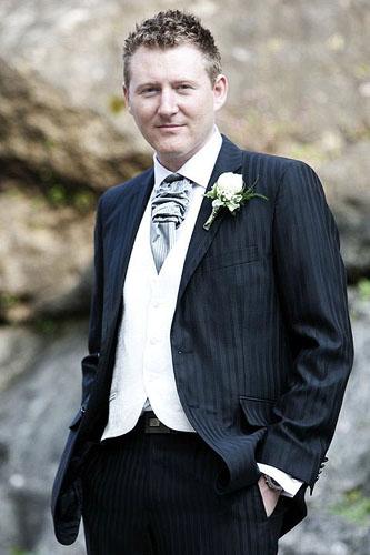 Svadobné a spoločenské šaty šité na mieru 3a5775ae620